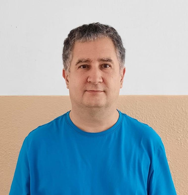 A képen Pirik János látható